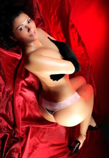 Sharona-Escortgirl-neu